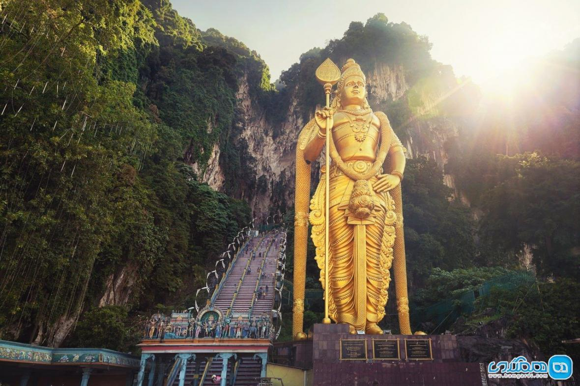 غار باتو ، غاری در مالزی که به دست میمون ها تسخیر شده