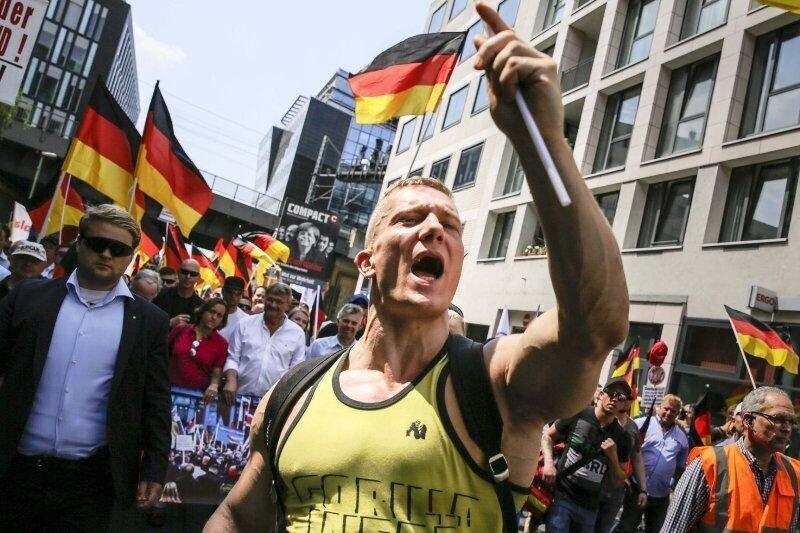 وحشت در آلمان ، راستگرایان دست به اسلحه شدند