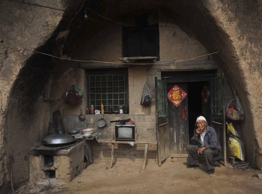 آیا می دانستید که بیش از 30 میلیون چینی در غار یا خانه های حفر شده در دل کوه زندگی می نمایند؟!