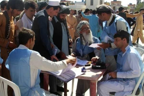 قطع ارتباط کمیسیون انتخابات افغانستان با مراکز اخذ رأی