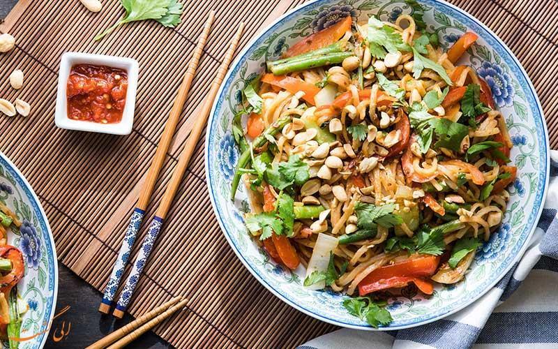 پدتای، غذای محبوب تایلندی ها