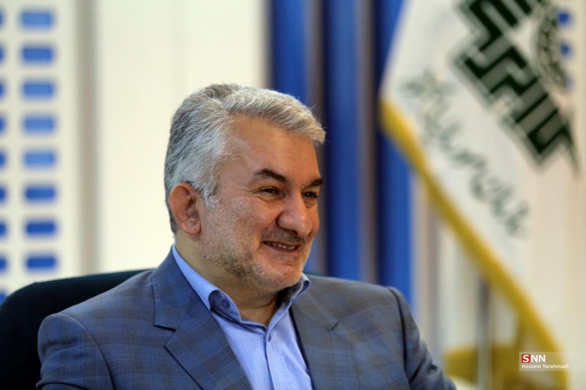 حل مشکل صدها تولیدگر در دست وزیر اقتصاد ، علیزاده: سازمان مالیات تنها موظف به اجرای قانون است