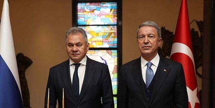 گفت وگوی وزرای دفاع روسیه و ترکیه درخصوص ایجاد ثبات در ادلب