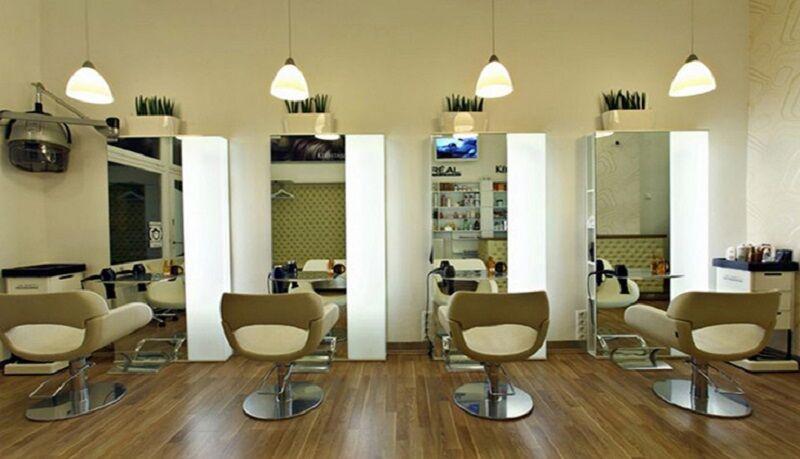 خبرنگاران توقف فعالیت آرایشگاه های زنانه البرز