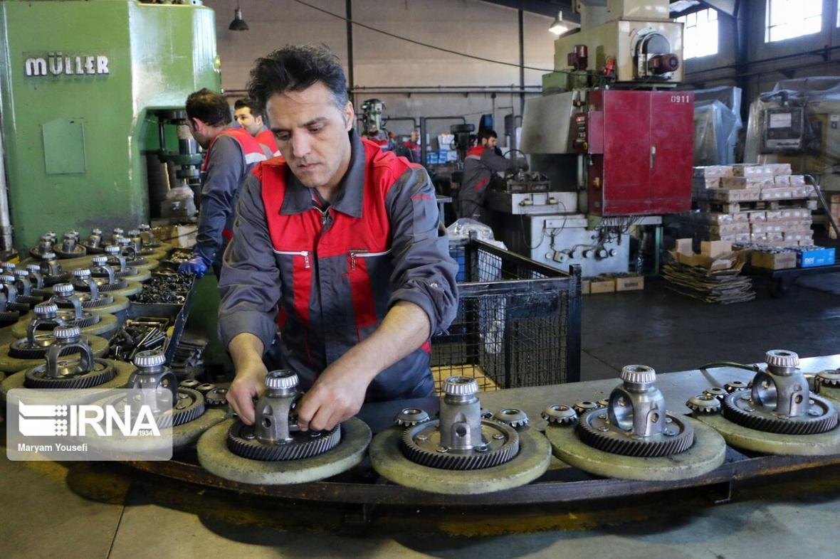 خبرنگاران کمبود بعضی قطعات خودروهای خارجی و کامیون ها در بازار