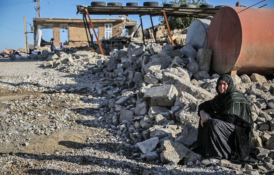 خبرنگاران آواربرداری منطقه زلزله زده قطور باید تا انتها اردیبهشت به اتمام برسد