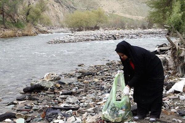 پاک سازی رودخانه دامن ایرانشهر