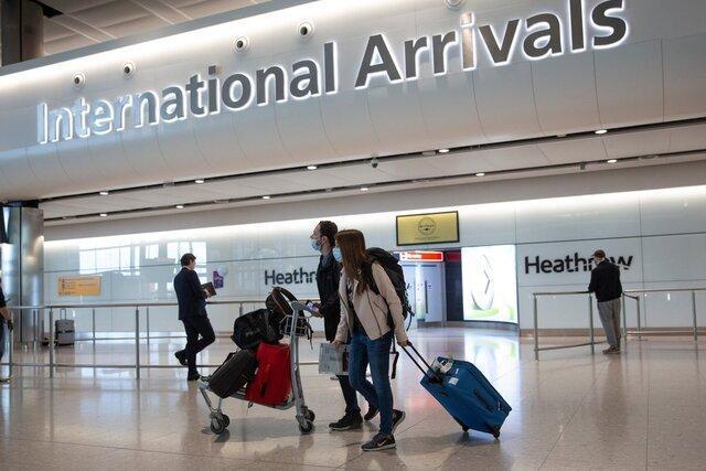 انگلستان قانون قرنطینه را برای مسافران 50 کشور لغو می کند