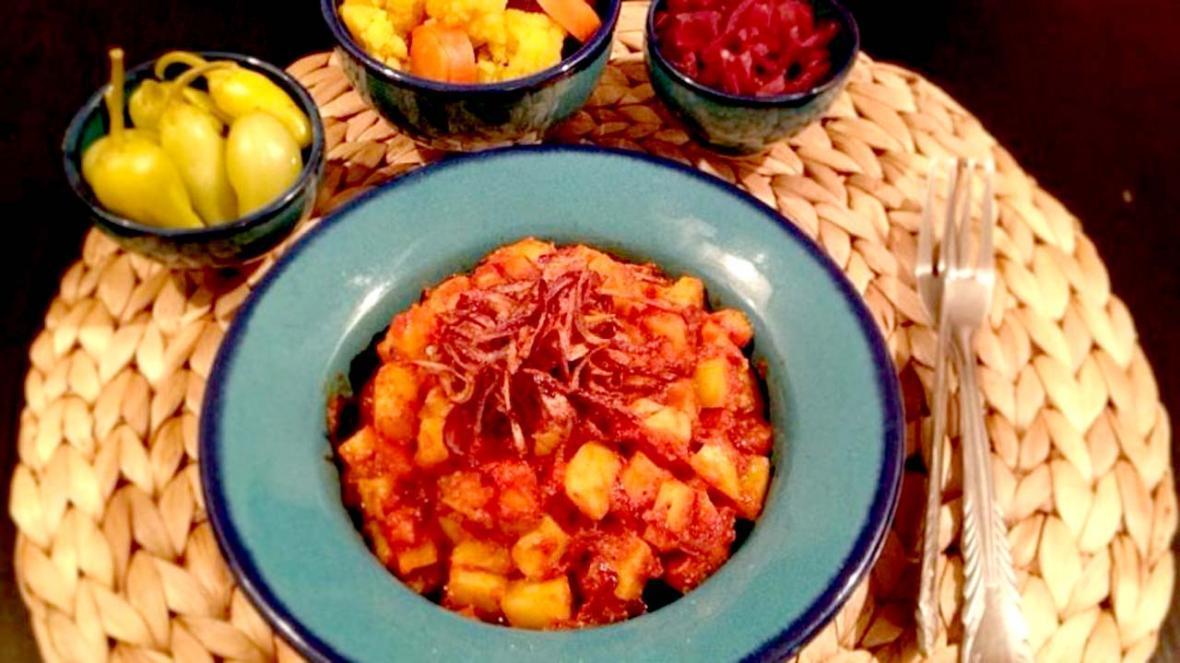 آموزش آشپزی؛ از کله پاچه خانگی و کباب برگ با طعم آناناس تا دو پیازه آلو