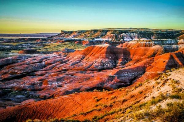 سفر به آمریکا: کویر رنگی، اثر میلیون ها سال از تاریخ در لایه های رنگی