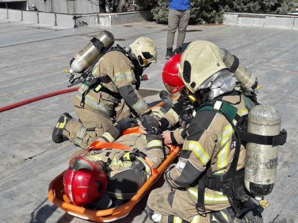 ساعت طلایی آموزش در ایستگاه آتش نشانی خبرنگاران