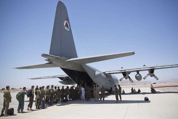 خروج تروریست های آمریکایی از پایگاه نظامی در قندهار افغانستان