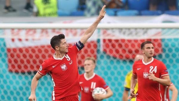 لواندوفسکی گلزن ترین بازیکن لهستان در تاریخ یورو شد