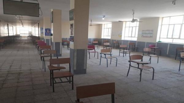 نظارت بر رعایت اصول بهداشتی و فاصله گذاری اجتماعی در حوزه های امتحانات